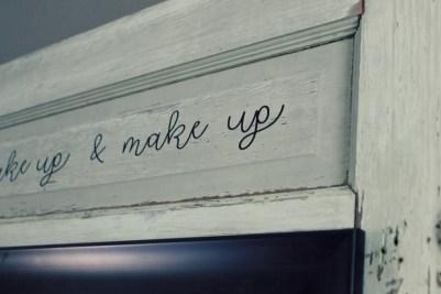 life-storage-diy-makeup-station-old-door-upcycle-2