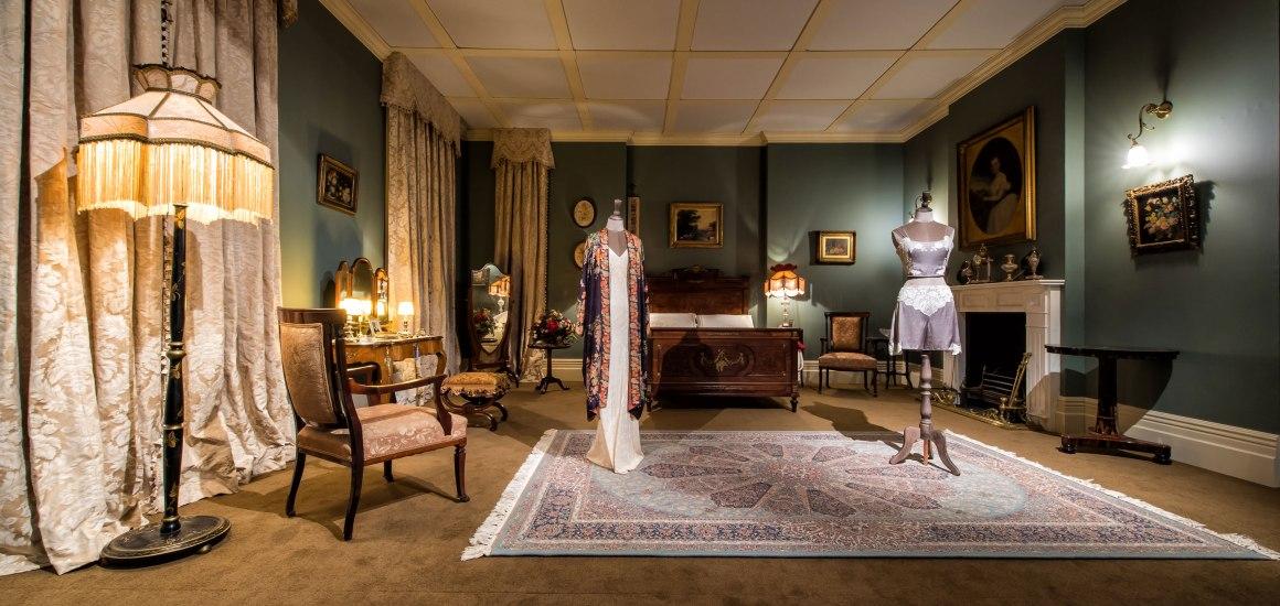 Downton-Abbey-Marys-Bedroom-1.jpg