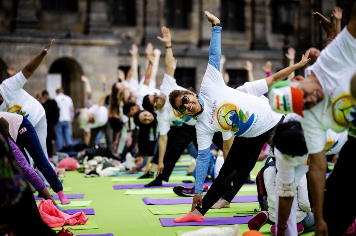 yoga___events___Robin_van_Lonkhuijsen__ANP_AFP.jpg