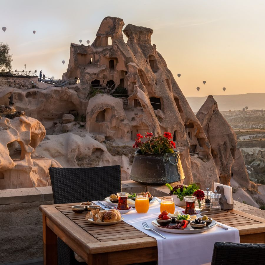 16232422-argos-in-cappadocia-turkey_article_900x900