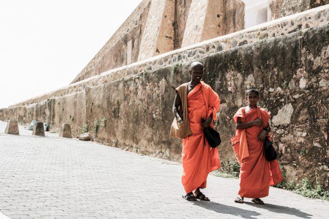 Sri Lanka Monks Lifestylecircus