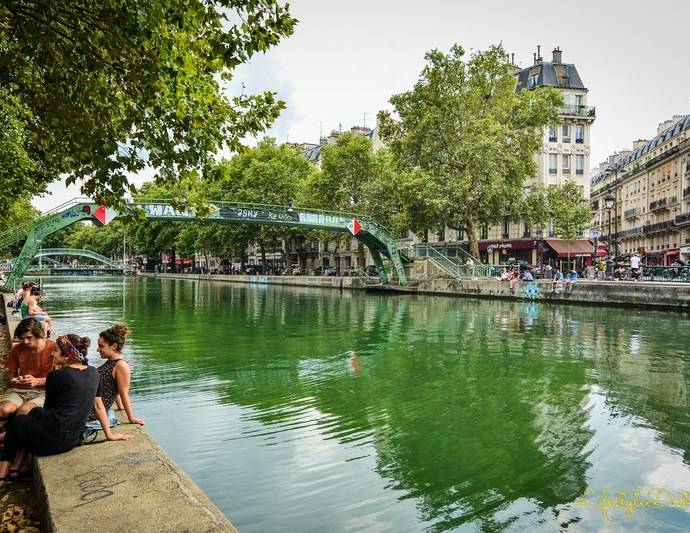 A walk along the Canal Saint Martin
