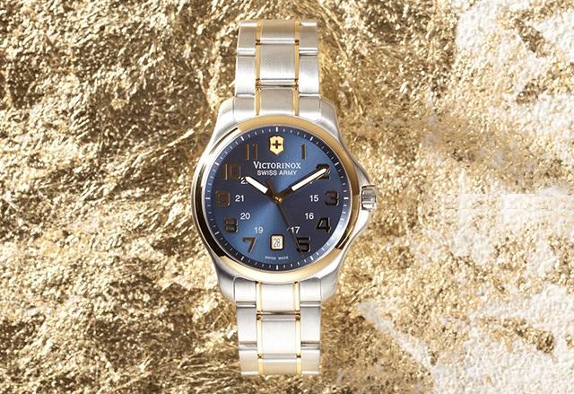 Victorinox Swiss Army Men's 241363 Officer's Gent Blue Stainless Steel Watch