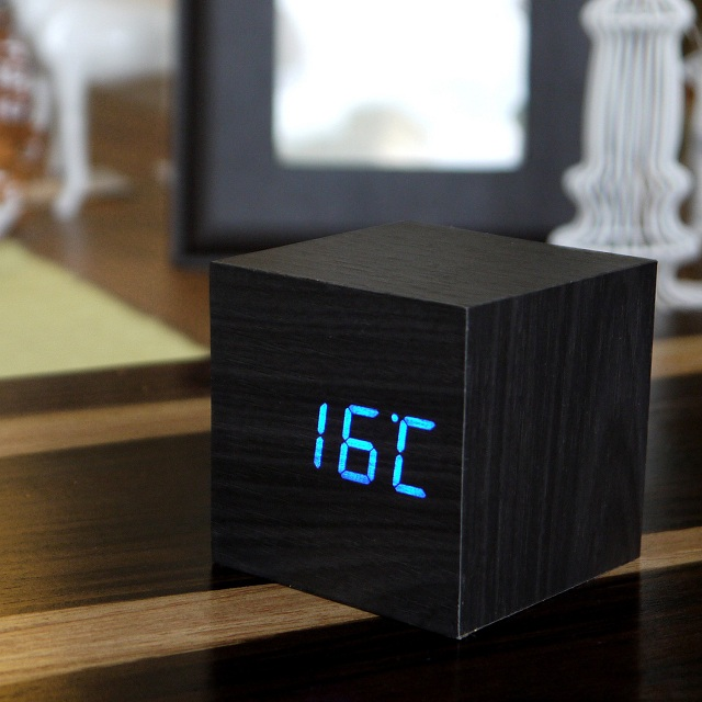 Gingko LED Cube Alarm Click Clock_2