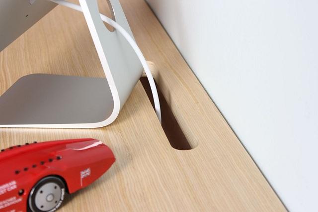Minimal Float Wall Desk by Orange22 Design Lab_5