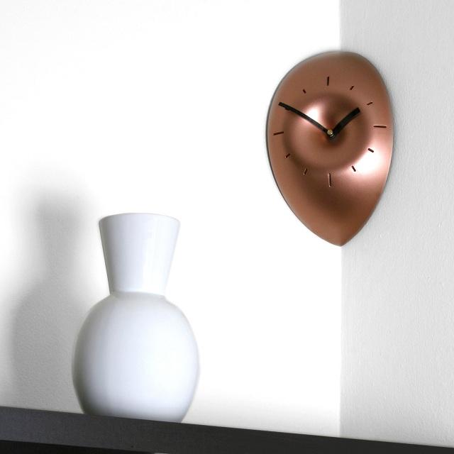 FAKTURA SLICE Corner Clock