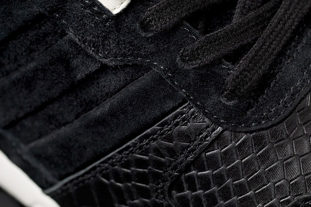 Sneakersnstuff x adidas Originals Consortium ZX 700 Wmns_5
