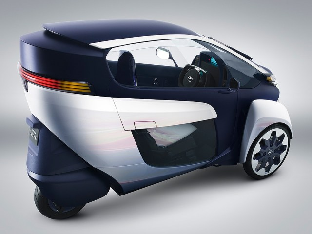 TOYOTA i-ROAD Electric Personal Mobility Vehicle_2