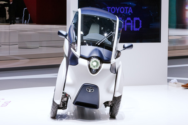 TOYOTA i-ROAD Electric Personal Mobility Vehicle_5