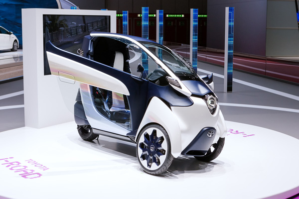TOYOTA i-ROAD Electric Personal Mobility Vehicle_6