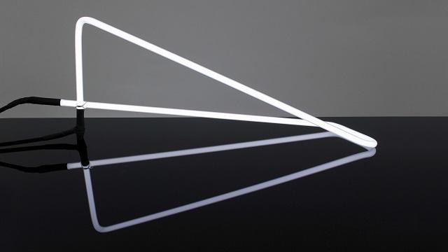 Tetra Desk Light by POD Design_2