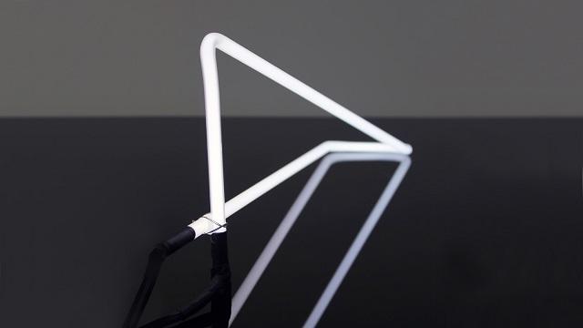 Tetra Desk Light by POD Design_4