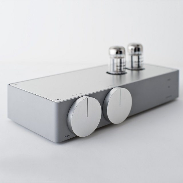 EK JAPAN 22 Hybrid Tube Amplifier