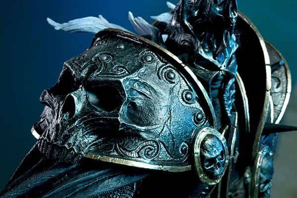 World of Warcraft Arthas Limited Edition Deluxe Statue_5