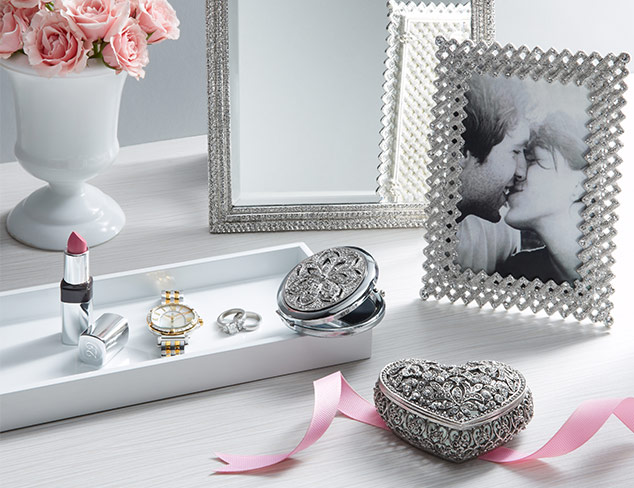 Luxe Gifts for Your Love at MYHABIT