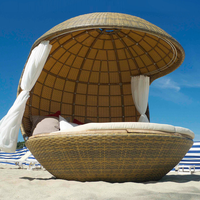 Cocoon Beach Bed