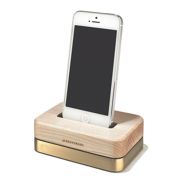 GROVEMADE Limited Edition iPhone Dock in Brass and Maple_2