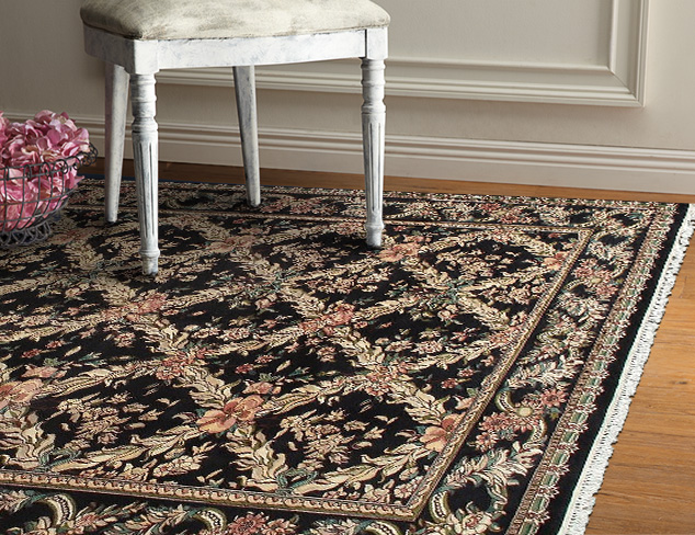 Luxurious Traditional Rugs at MYHABIT