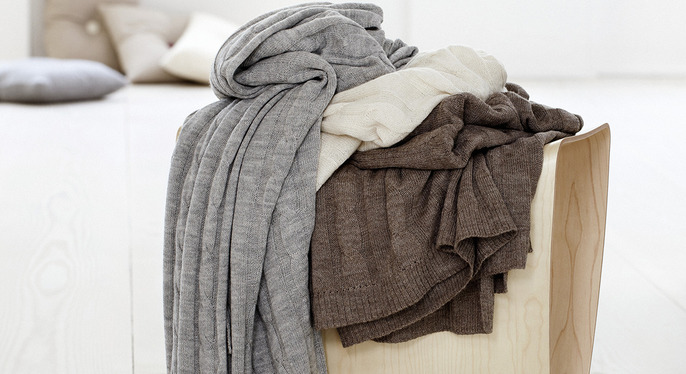 Cozy Throws: Cashmere & More at Gilt