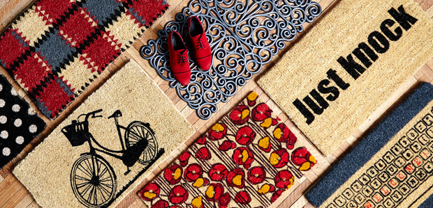 Welcome Guests Your Way with Fall Doormats at Rue La La