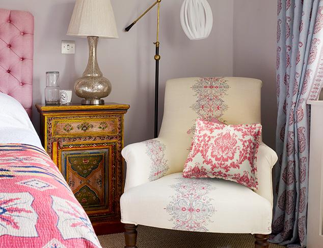 Traditional Elegance: A Vintage-Inspired Bedroom at MYHABIT
