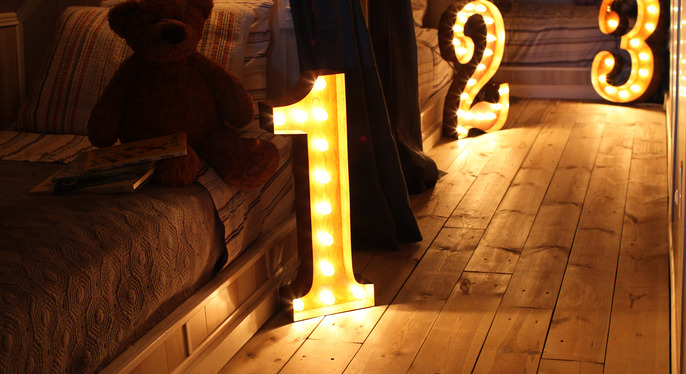 Vintage Marquee Lights at Gilt