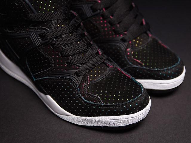 Sneakersnstuff x Reebok The Pump Blacklights_2