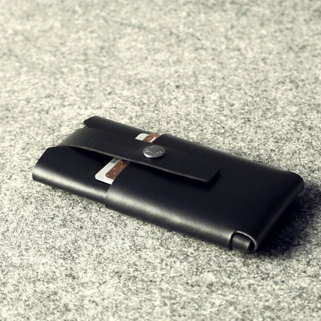 Charbonize iPhone 6/6 Plus Leather Wallet