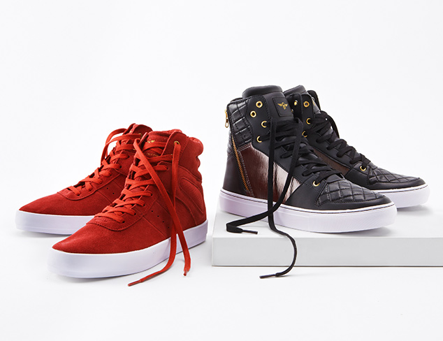 Street Style: Sneakers at MYHABIT