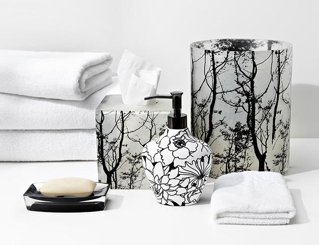 The Black & White Bathroom at MYHABIT