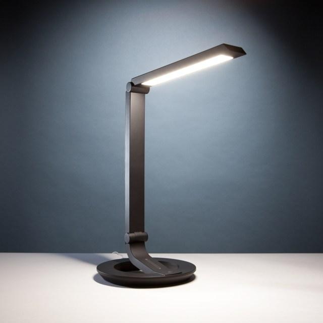 Art Light Eyeshield YT007 LED Desk Lamp
