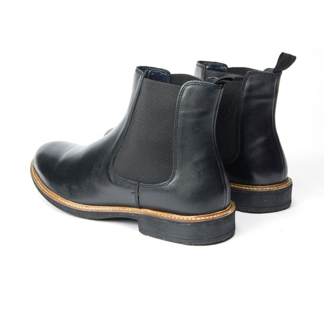 Redfoot Baxendale Chelsea Boot in Black