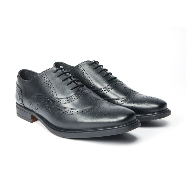 Redfoot Brogue in Black