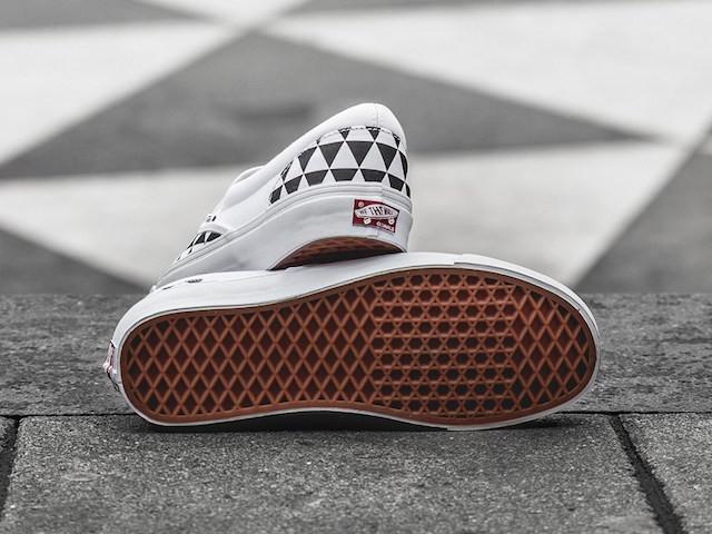 Sneakersnstuff x Vans OG Classic Slip-On LX Stockholm_6