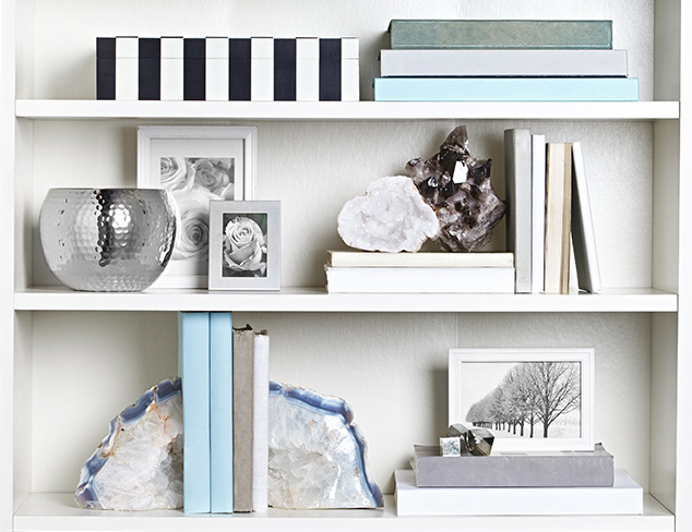 How To Decorate a Bookshelf at MYHABIT