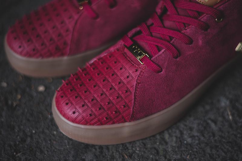 Nike Lebron XIII Lifestyle Team Red & Metallic Gold_3