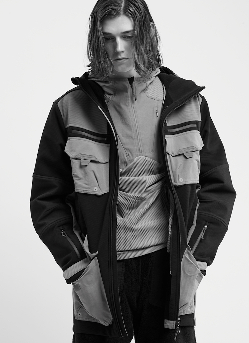 7L Mid Layer Hooded Top
