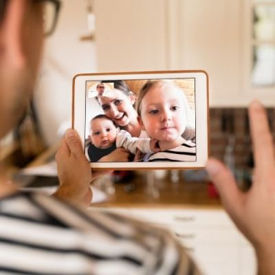 How to Stay Connected with Long-Distance Relatives