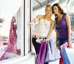 Summer fashion and beauty trends