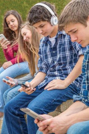teens-devices-450