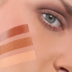 Improve cosmetic skills with highlighting and contouring