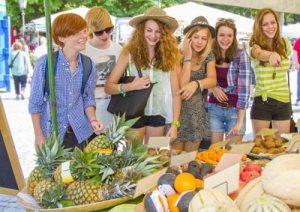Eco Friendly groceries kids market