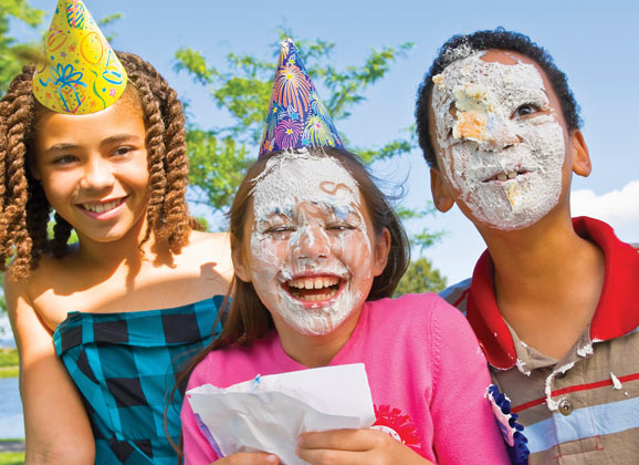 kids party, kids with cake on faces