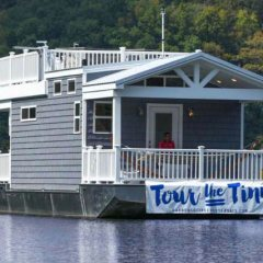 The Tiny Houseboat You'll Fall in Love With