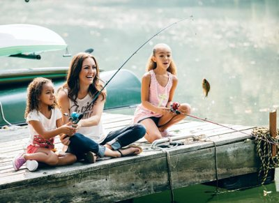 mom fishing wiht daughters unplugged summer