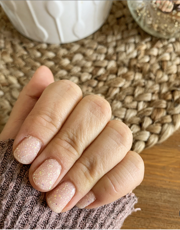 Holiday Gift Guide for the Nail Lovers