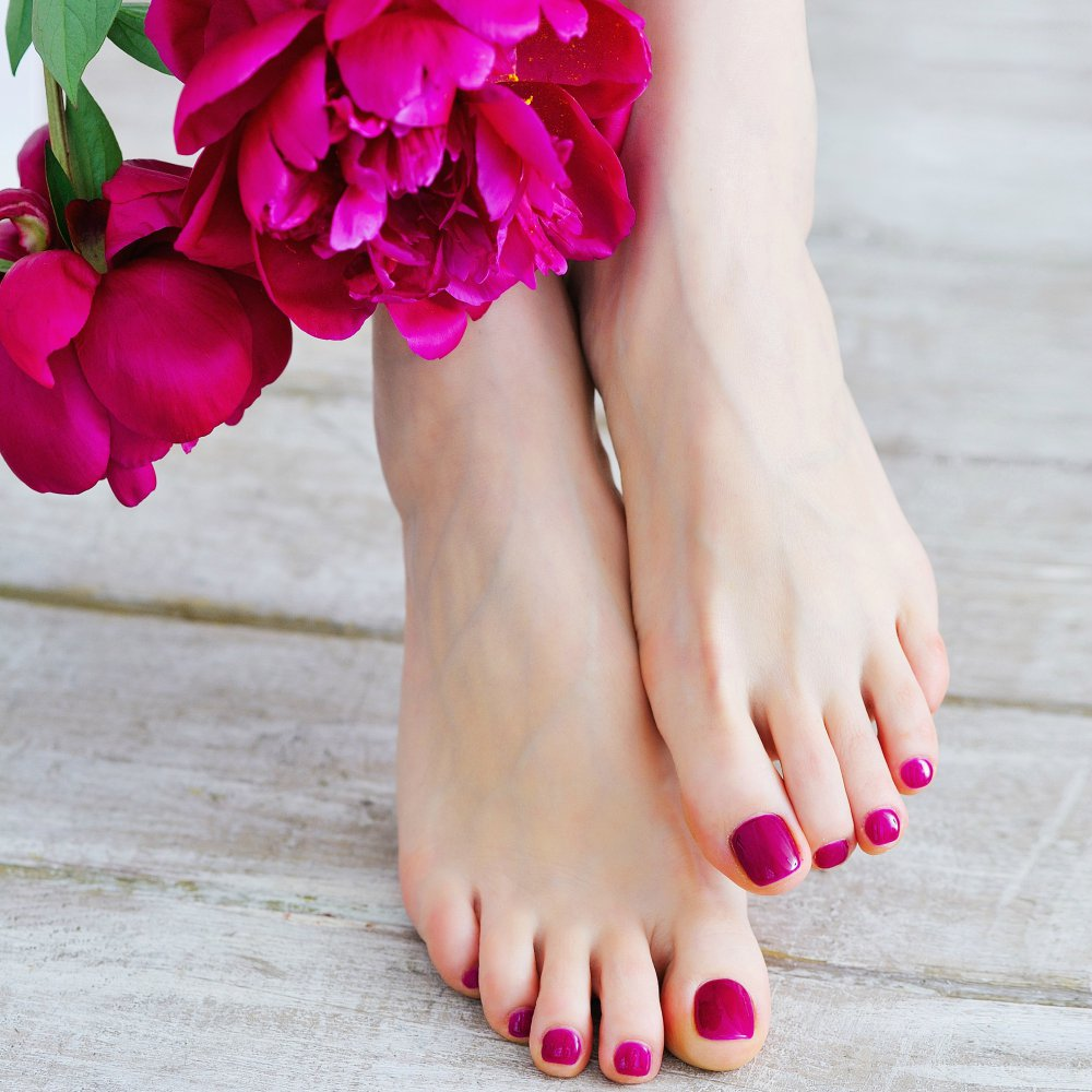 Top 10 Home remedies for cracked heels and dry feet