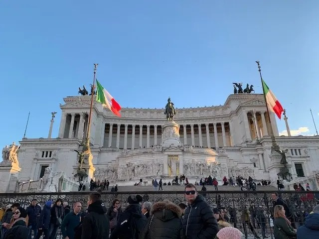 altar of the fatherland, best things and places to vsee in Rome, Italy.
