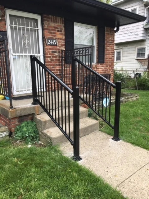 Handrails For Home Accessibility In Indianpolis Lifeway Mobility | Aluminum Handrails For Concrete Steps | Garden | Residential | Vinyl | House Stone | Back Patio