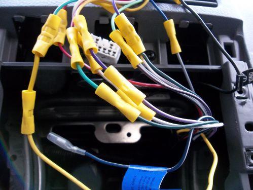 small resolution of close up of kia radio wiring